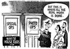 Mike Peters  Mike Peters' Editorial Cartoons 2003-05-05 distraction